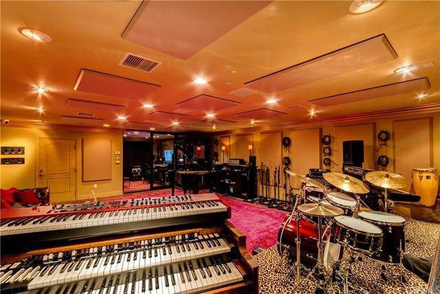 Pink Satellite Studios