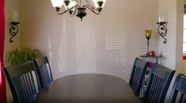 Melissa McCarthy dining room